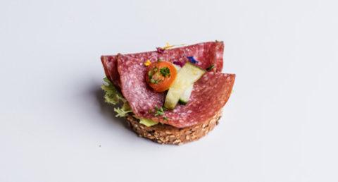 Canapé au salami